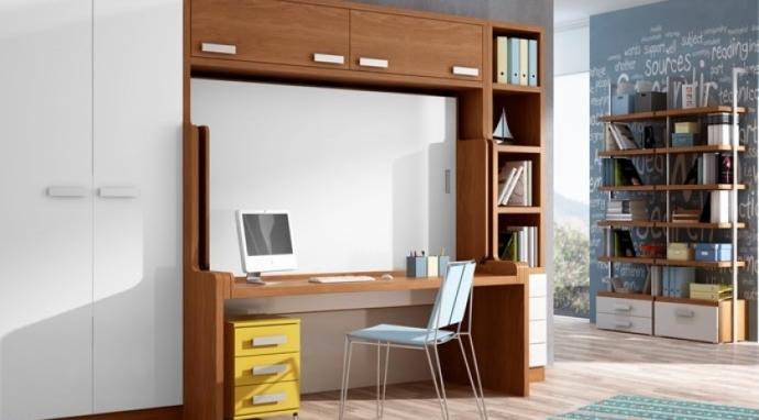 Ideas para mini pisos: habitación de matrimonio y despacho en uno