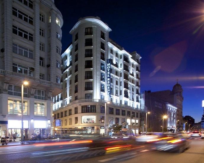 Sofás cama nido, marca Cruces, en el Hotel  Regente de Madrid