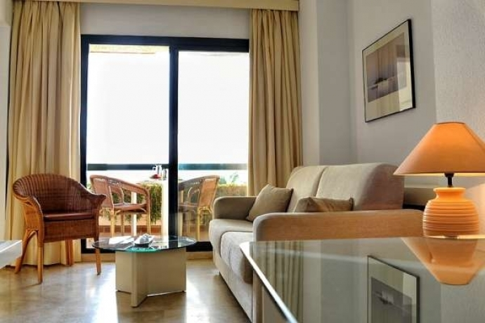 Muebles convertibles para hoteles: sofás cama, muebles cama, y mucho más.