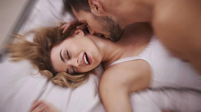 Practicar sexo en el sofá cama, ¿por qué no?