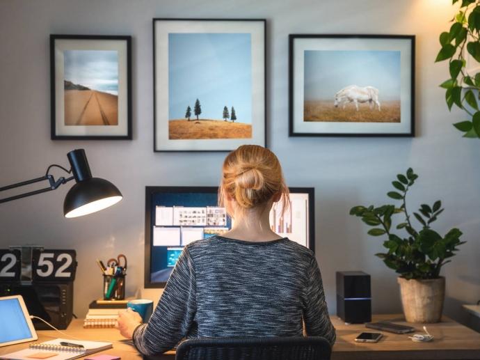 ¿Teletrabajas? consejos para decorar tu oficina en casa de una forma práctica