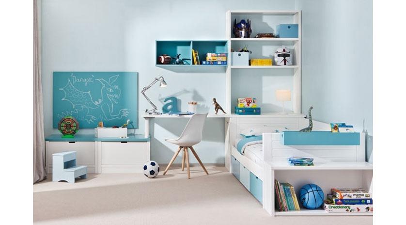 Dormitorio juvenil en tres zonas sofas cama cruces for Dormitorio juvenil tres camas