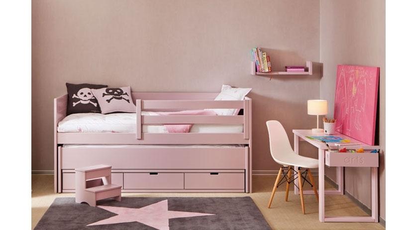 Habitaci n para una ni a con cama extra sofas cama cruces - Dormitorio juvenil nina ...