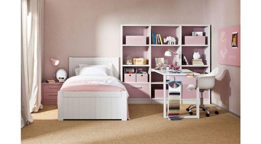 Dormitorio infantil de ni a sofas cama cruces for Muebles habitacion infantil nina