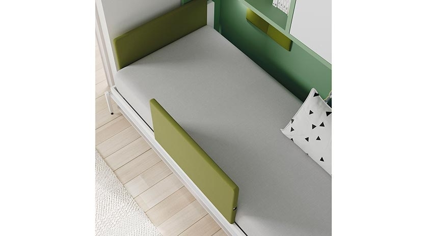 Mueble cama abatible con mesa delante y armarios arriba for Mueble que se hace cama