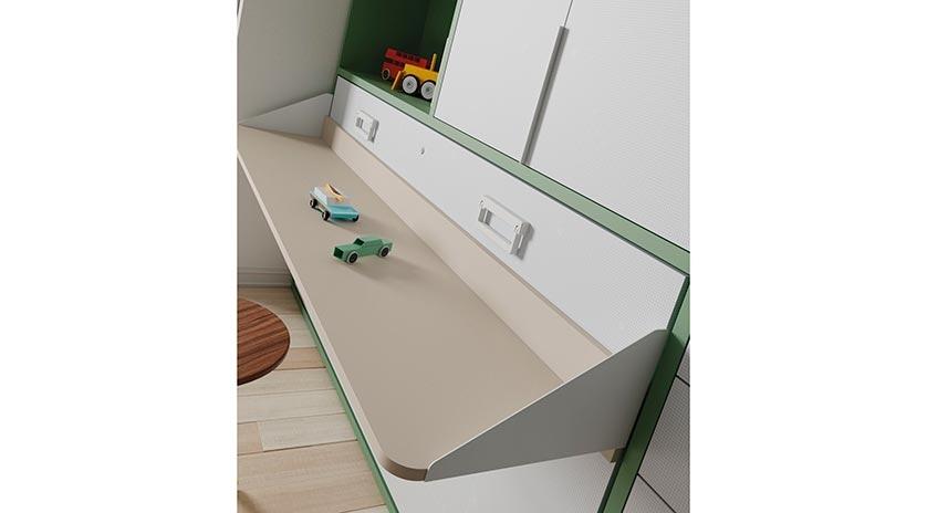 Mueble cama abatible con mesa delante y armarios arriba