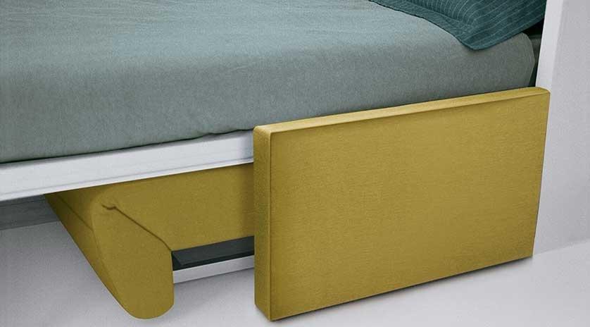 Mueble cama abatible con sofá relax.
