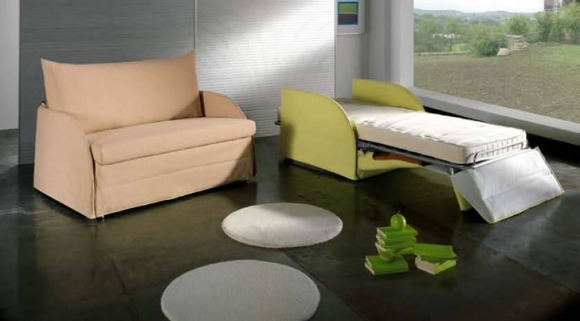 Sill n cama peque o y c modo sofas cama cruces for Sillones relax pequenos