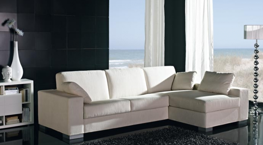 Gran sof cama con chaise longue de brazo largo sofas for Muebles con sofa cama
